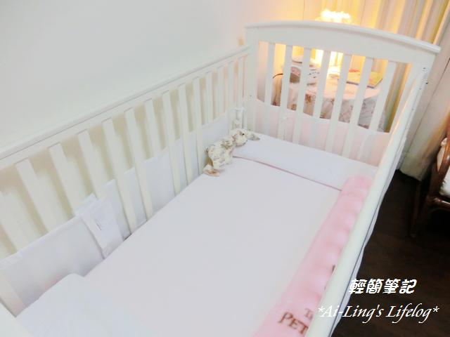 nEO_IMG_如何幫寶寶鋪床_IMG_CIMG1823